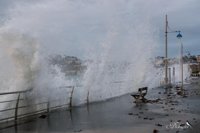 Grande marée, les éléments se déchaînent
