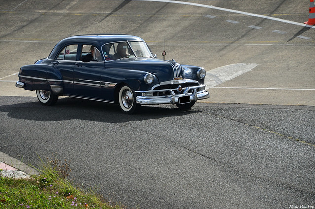 1952 Pontiac Chieftain 8 4-door sedan