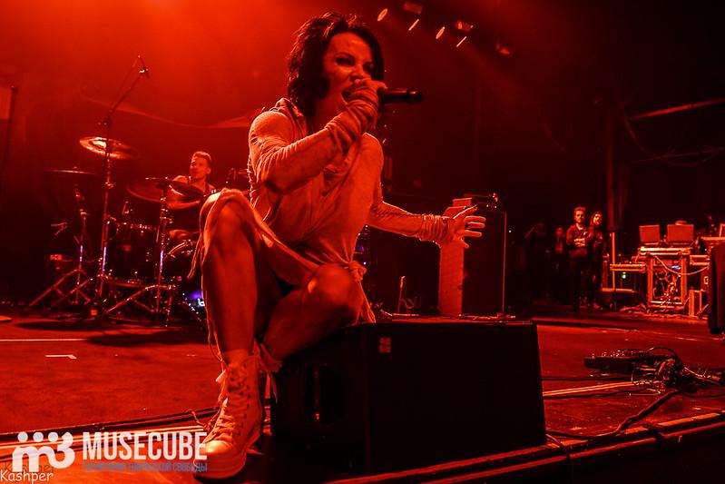 Evanescence-009