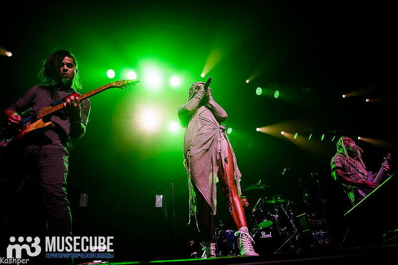 Evanescence-001