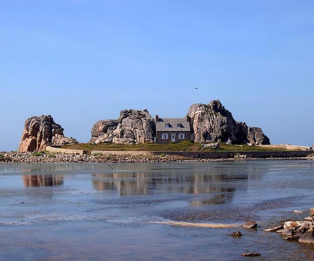 La maison Castel Meur à Plougrescant
