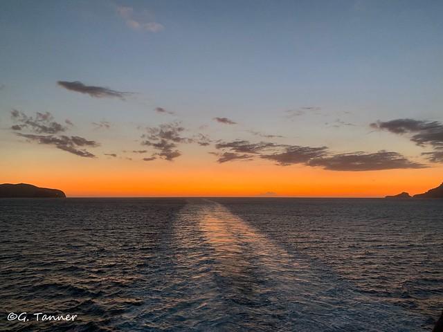 Sonnenaufgang vor Sardinien