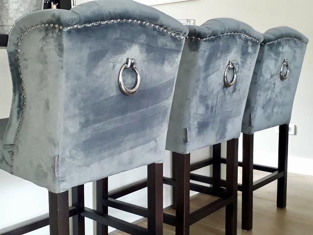 Barkrukken blauwgrijs velours met ring