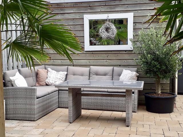 Loungeset terras landelijke stijl