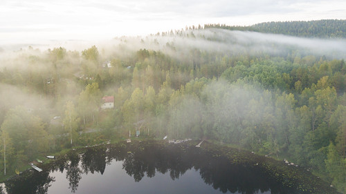 jyväskylä centralfinland finland suomi fog mist landscape nature mountain forest lake house clouds eearly morning sunrise dji mavic pro fc220 amazing europe