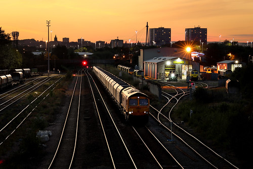 66723 6d69 hunslet leeds stone train sunset sky railway