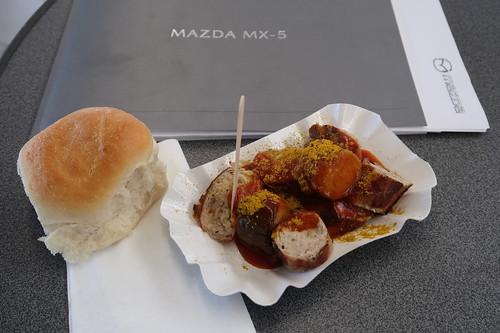 Currywurst beim Mazda Vertagshändler Autohaus Prange