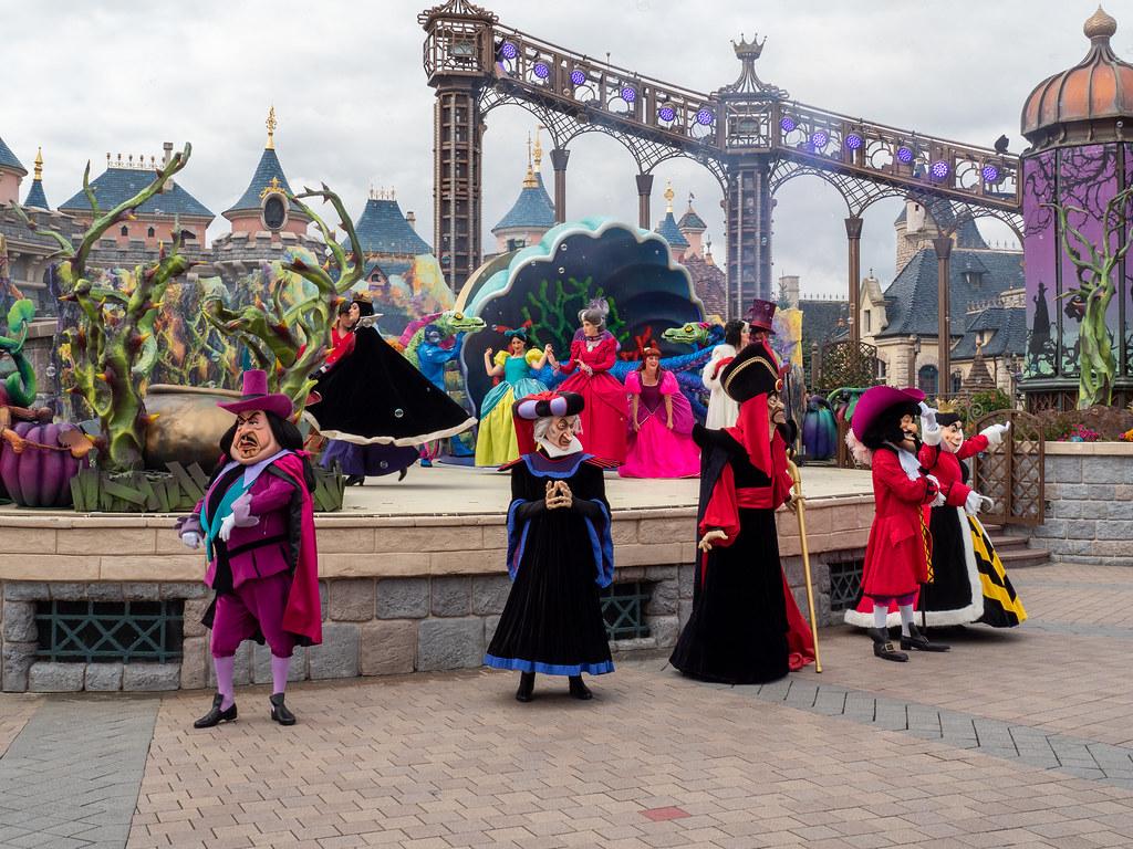 Disneyland Paris - Halloween 48814697733_b69ffd4a41_b