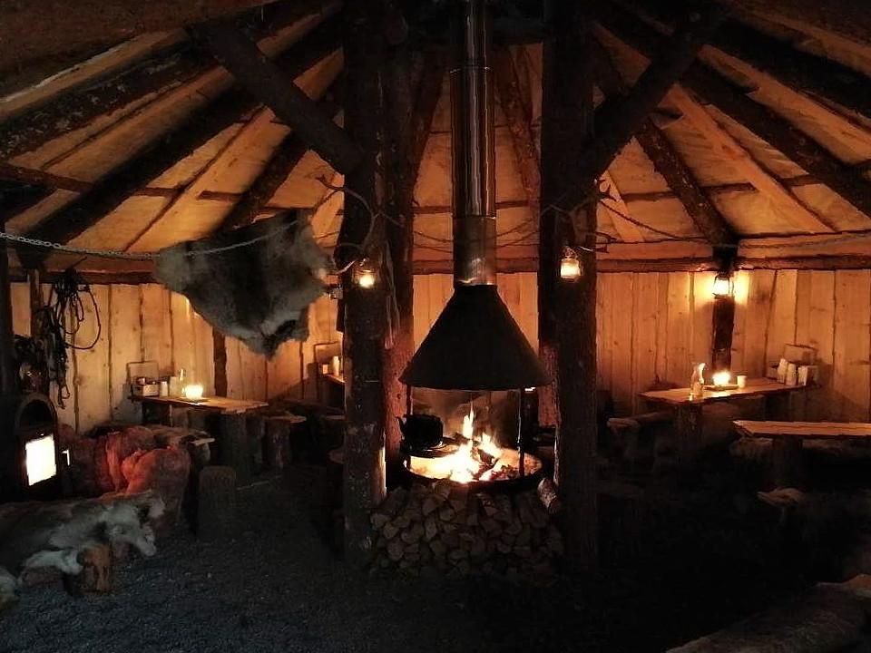 Kuchnia w obozie Saamów w Tromso