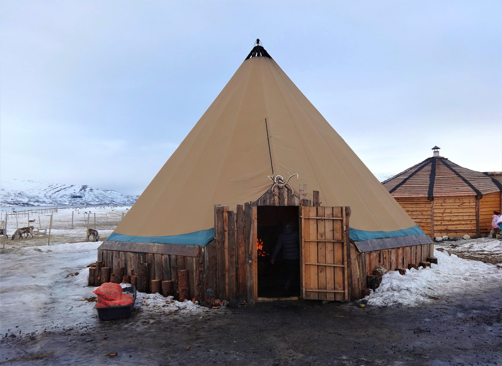 Lavvu w obozie Saamów w Tromso