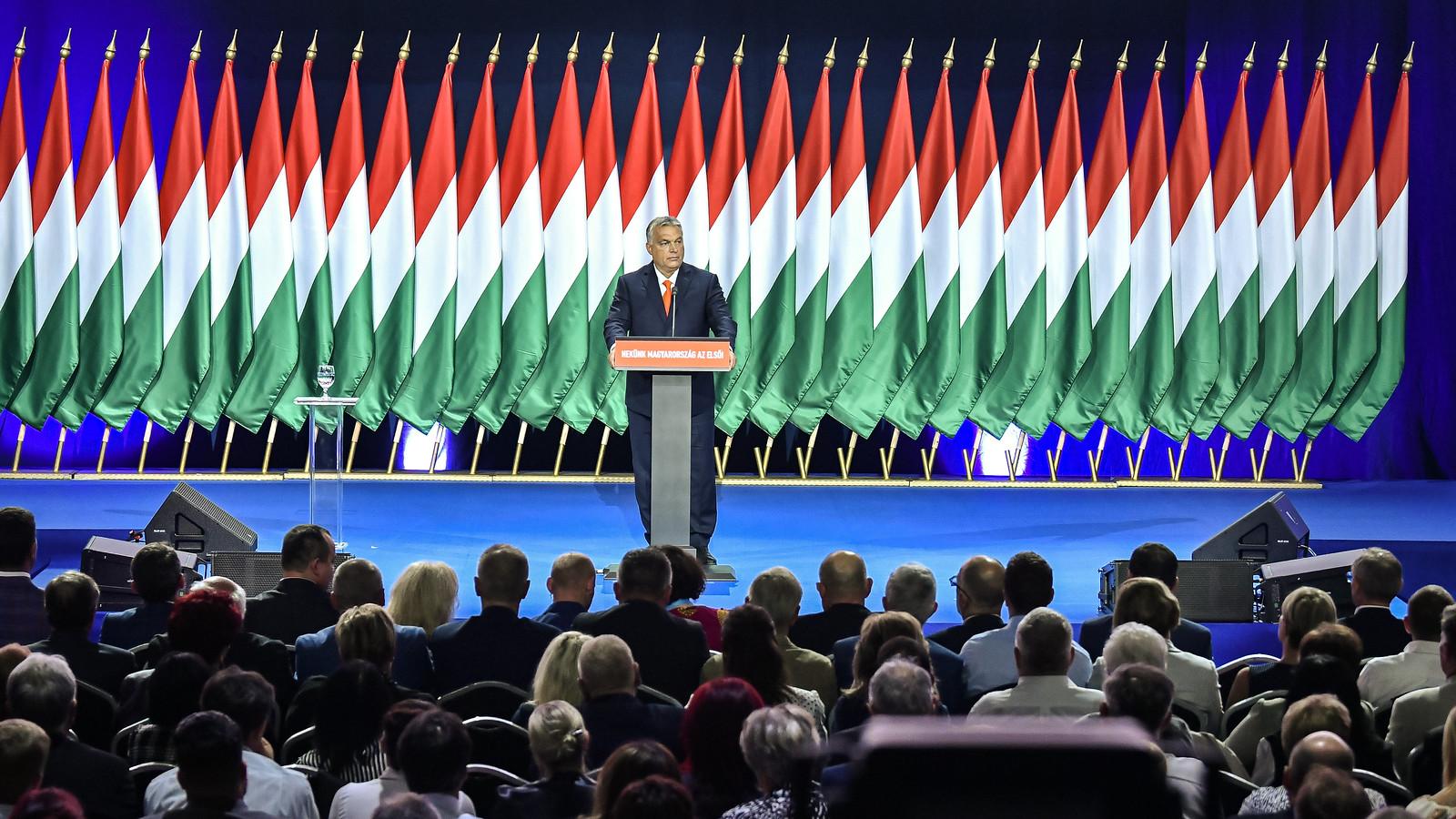 Orbán Szegedről: nem értjük, miért akarnak migránsvárossá válni