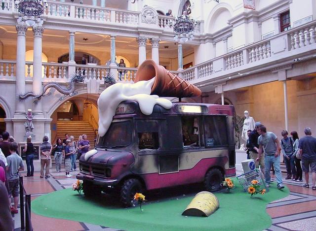 Banksy v Bristol Museum and art Gallery 2009