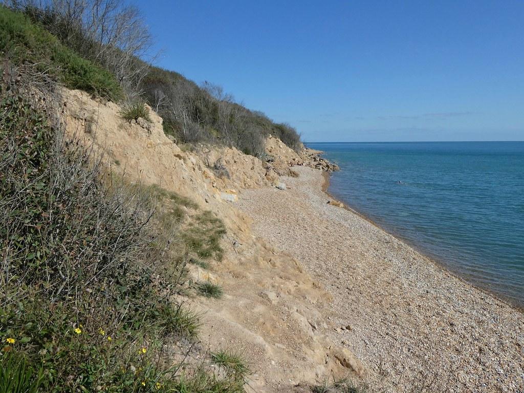 Farlight Glen beach, high tide