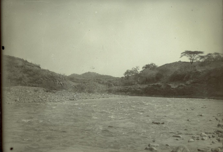 299. Абиссиния. Черчер. Вид на реку Кассам