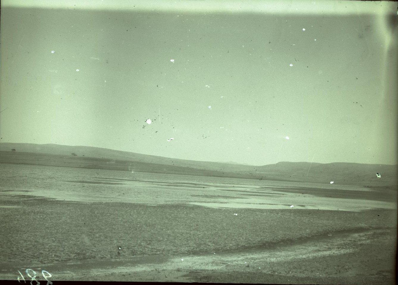 286. Абиссиния. Черчер. Вид озера Харамайя