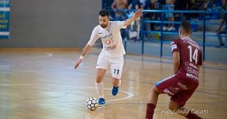 manfredonia calcio a 5 - atletico cassano 3-3 gol perri 1-1