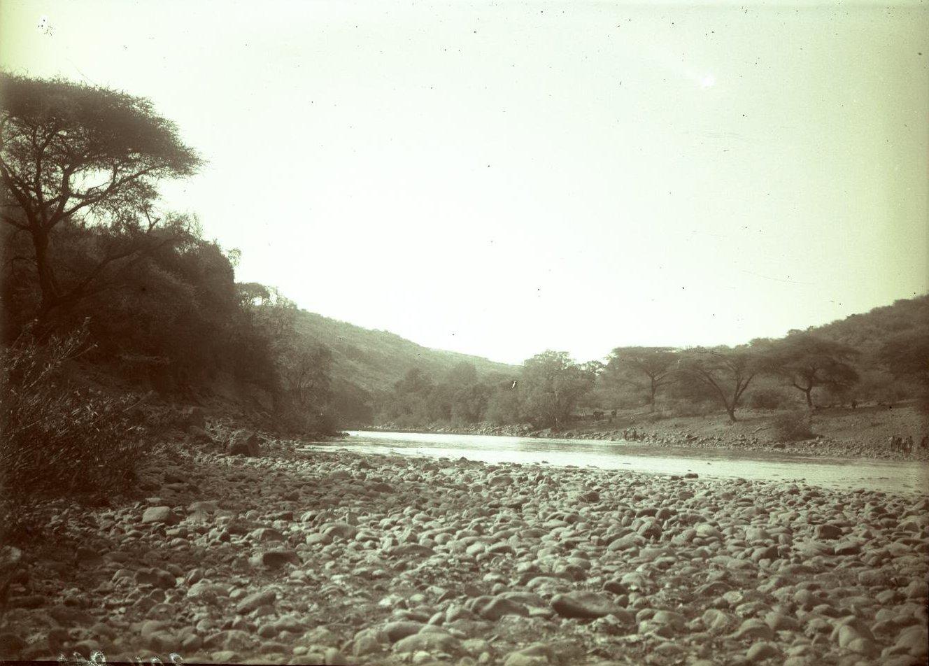 304. Абиссиния. Черчер. Вид на реку Кассам