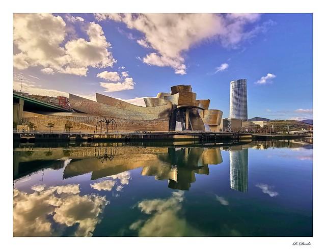 """Museo Guggenheim"" - Bilbao, España 🇪🇸"