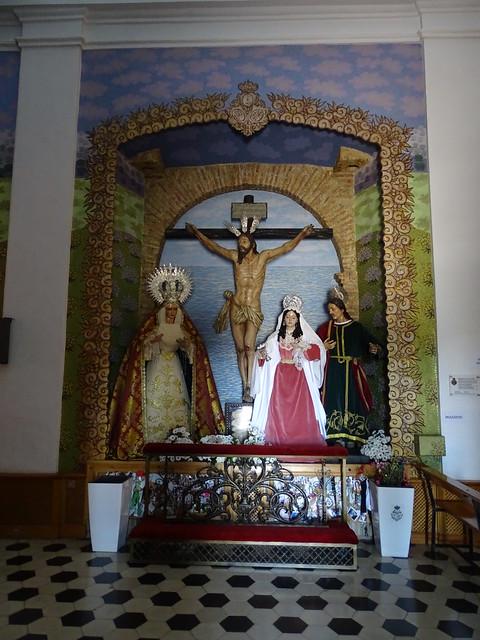 capilla retablo interior Ermita iglesia de la Virgen de los Remedios Cerro de San Cristobal Velez Malaga Málaga