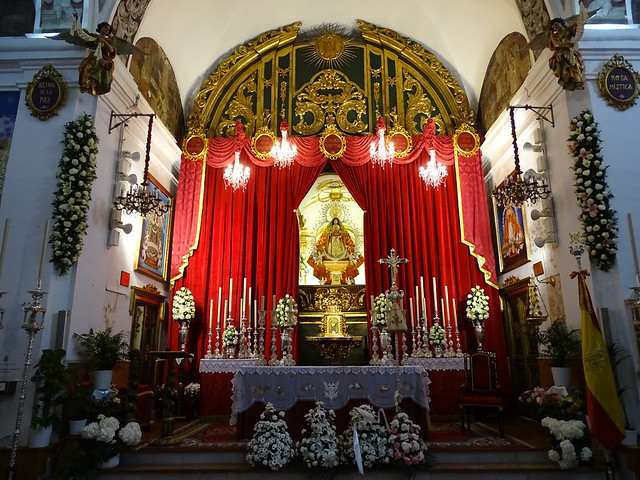 altar Mayor interior Ermita iglesia de la Virgen de los Remedios Cerro de San Cristobal Velez Malaga Málaga 01