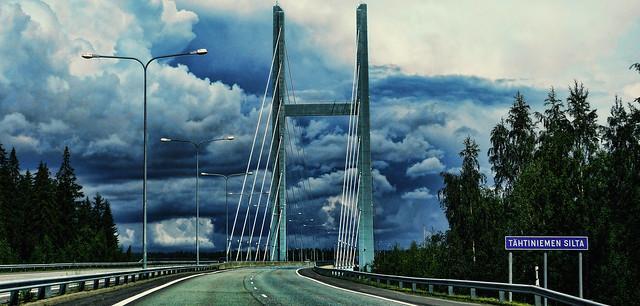 Tähtiniemen silta