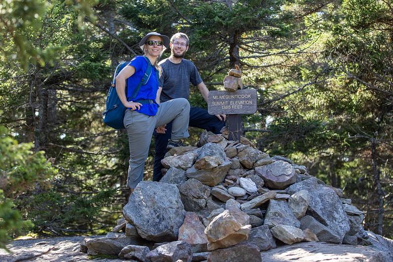 Auf dem Gipfel von Mount Megunticook.