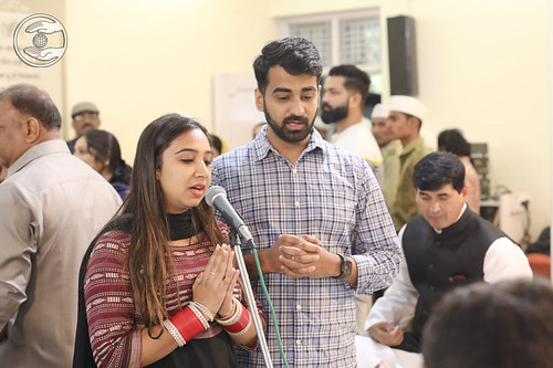 Manish and Vaishali presented a devotional song, Delhi