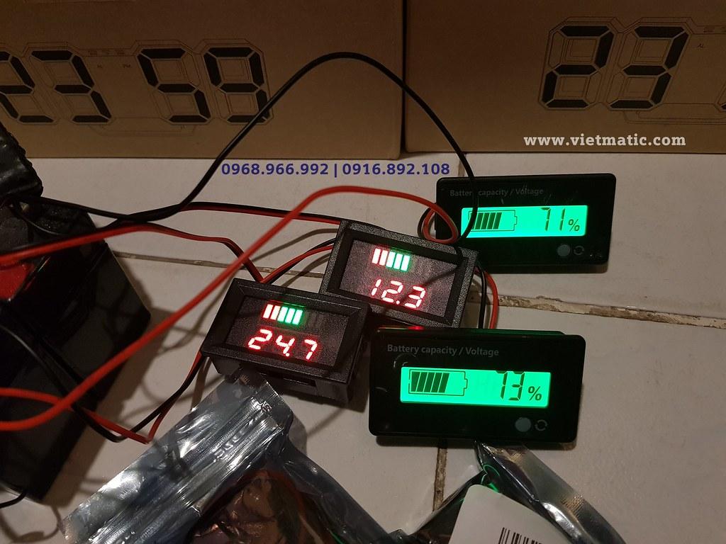 Hình ảnh thực tế: Đồng hồ đo dung lượng bình ắc quy tự động loại LED (trái) và LCD (phải)