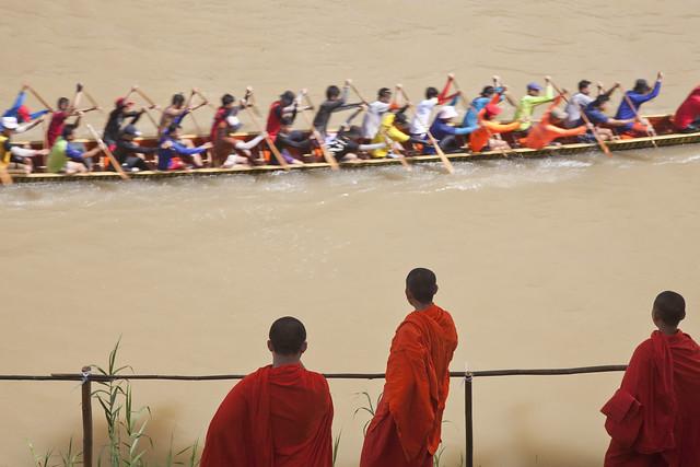 Boat Race on Mekong