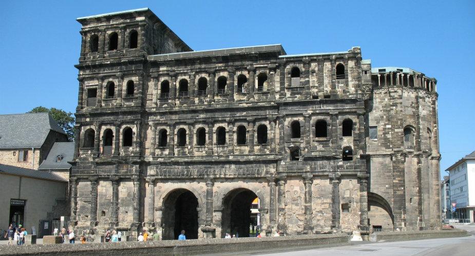 Trier centrum: Porta Negra | Mooistestedentrips.nl