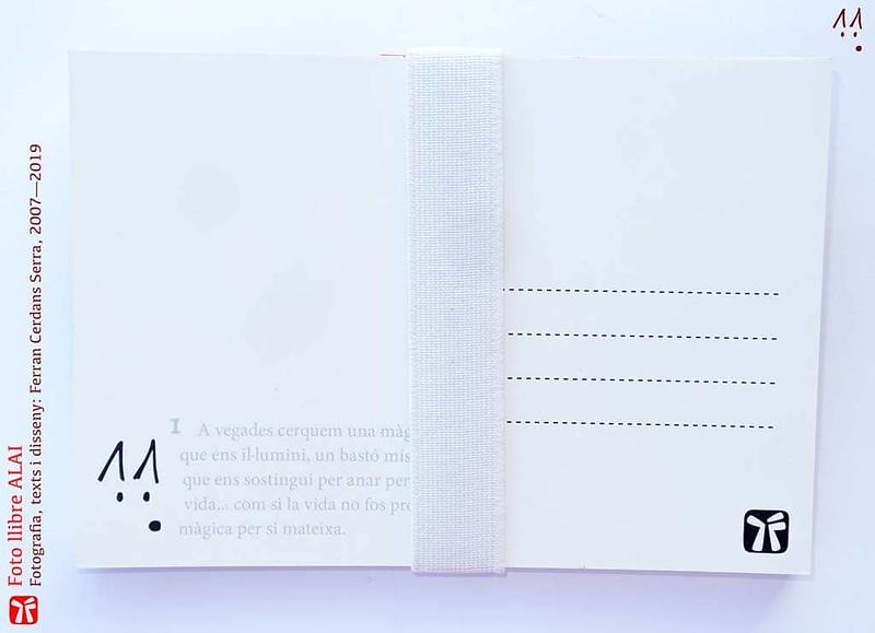 Foto llibre ALAI. Vista posterior. Les postals van numerades i cadascuna incorpora un text.