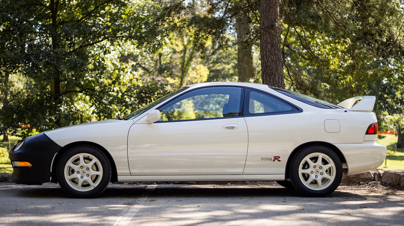 4a524bb0-1997-acura-integra-type-r-04