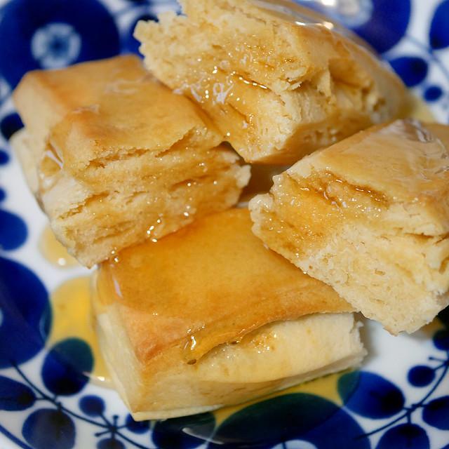 セブンプレミアム ほんのり甘いメープル味 ホットビスケット