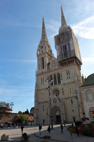 dslr apsc canoneosrebelt5i canonefs1855mmf3556isstm digitalphotoprofessional europe croatia zagreb church cathedral towers renovation sky clouds people 50view 100view faved 2fav 1cmt 250view 3fav 5fav 2cmt 500view 3cmt 100v10f