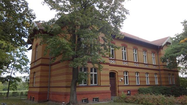1890/93 Berlin Direktorenwohnhaus der Anstalt für Epileptische Wuhlgarten Haus 34 von StBR Hermann Blankenstein Brebacher Weg 15 in 12683 Biesdorf-Nord