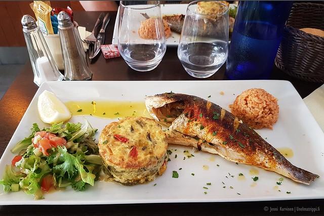 Kala-annos ravintolassa Arcachonissa