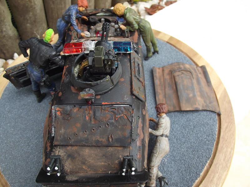 Police mad max ford coldwing camaro/ figurine MB/ ICM 1/24 catling italeri  vulcan 1/35 48822405247_90135010e3_c