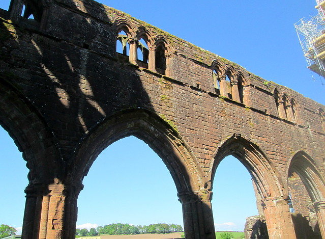 Sweetheart Abbey, Interior Colonnade
