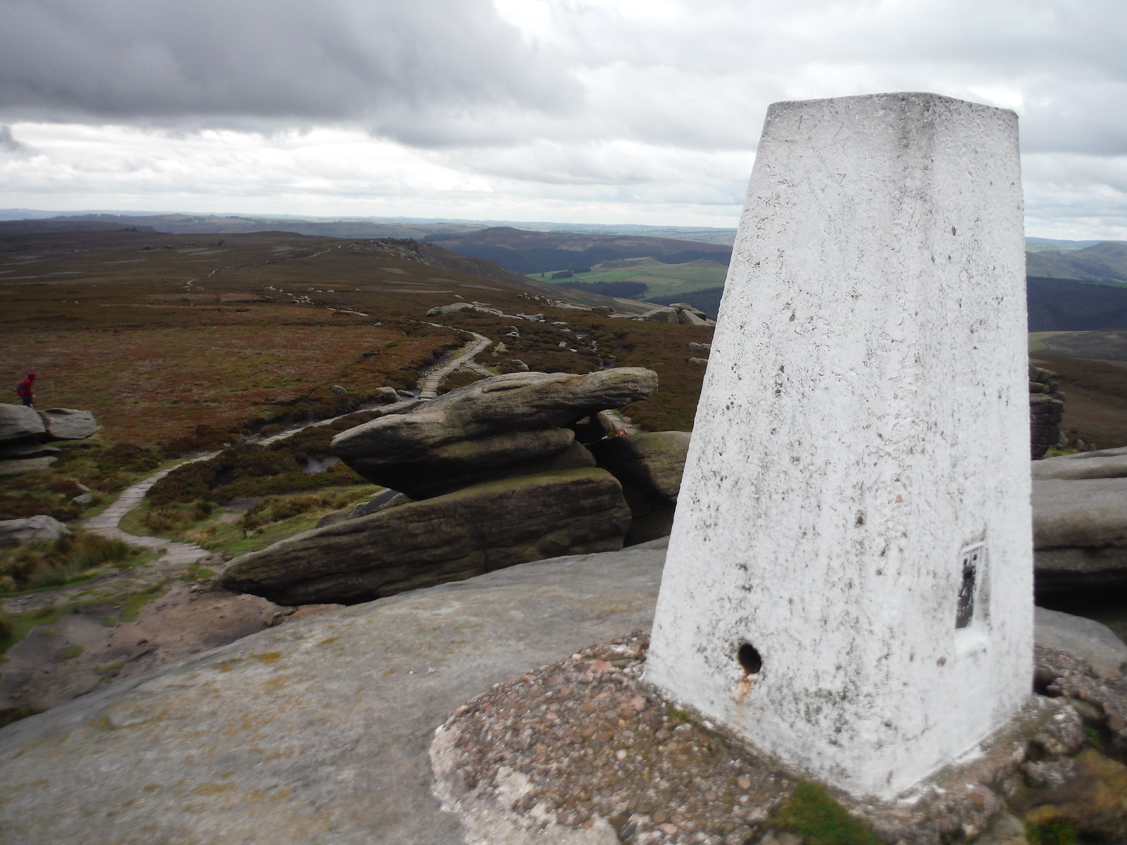 View along Derwent Edge from Back Tor's Trig Point towards Win Hill SWC Walk 348 - Ladybower Inn Circular (via Derwent Edges and Strines)