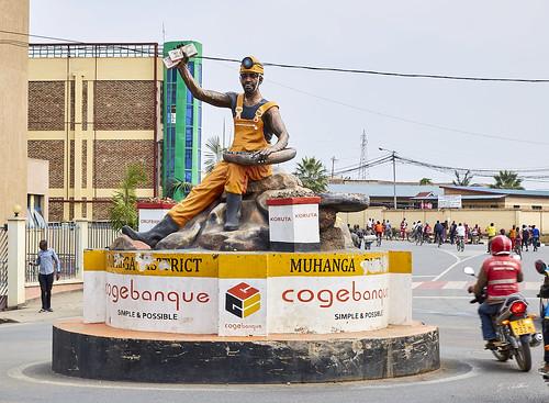 rwanda afrique banque gitarama afriquedesgrandslacs statue africa africagreatlakes