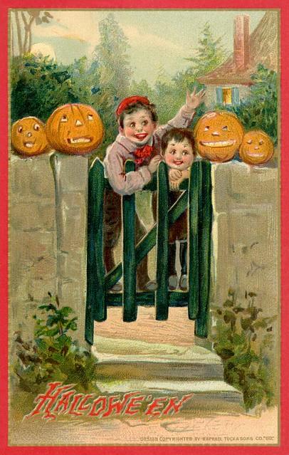 Halloween Pumpkinheads at the Gate