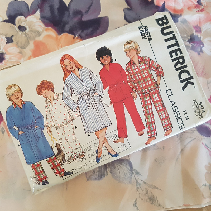 Vintage Butterick 6974 in vintage fabric