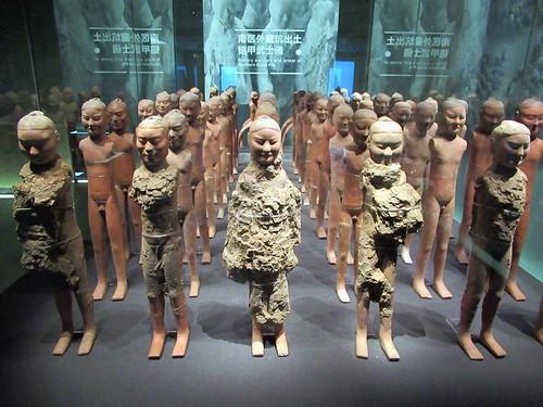 southernburialpits westernhandynasty hanyanglingmausoleum xian shaanxi china potterywarriors