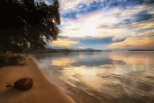 sunset sundown dusk seascape shoreline beach coast lumut perak malaysia visitmalaysia2020 travel place trip cloud sea sky canon eos700d canoneos700d sigmalens 10mm20mm wideangle happyplanet asiafavorites