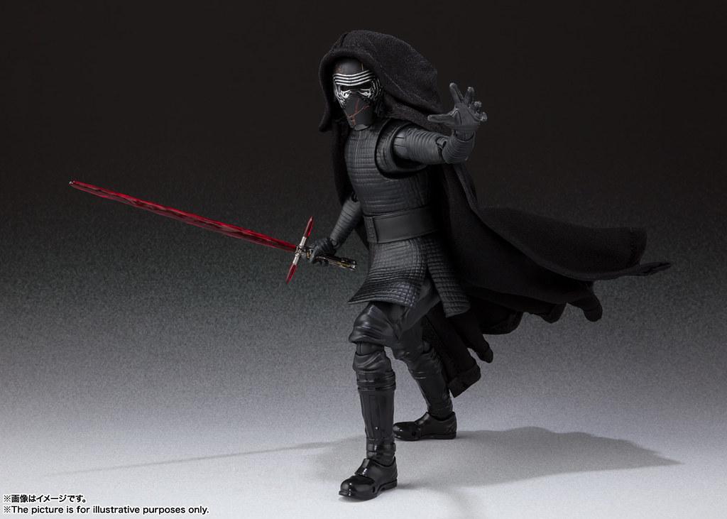 讓帥氣度再提升的布料披風! S.H.Figuarts《STAR WARS:天行者的崛起》凱羅·忍 カイロ・レン (STAR WARS: The Rise of Skywalker)