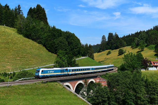 223 067-0 Länderbahn I ALX 84107 I Unterthalhofen (8671)