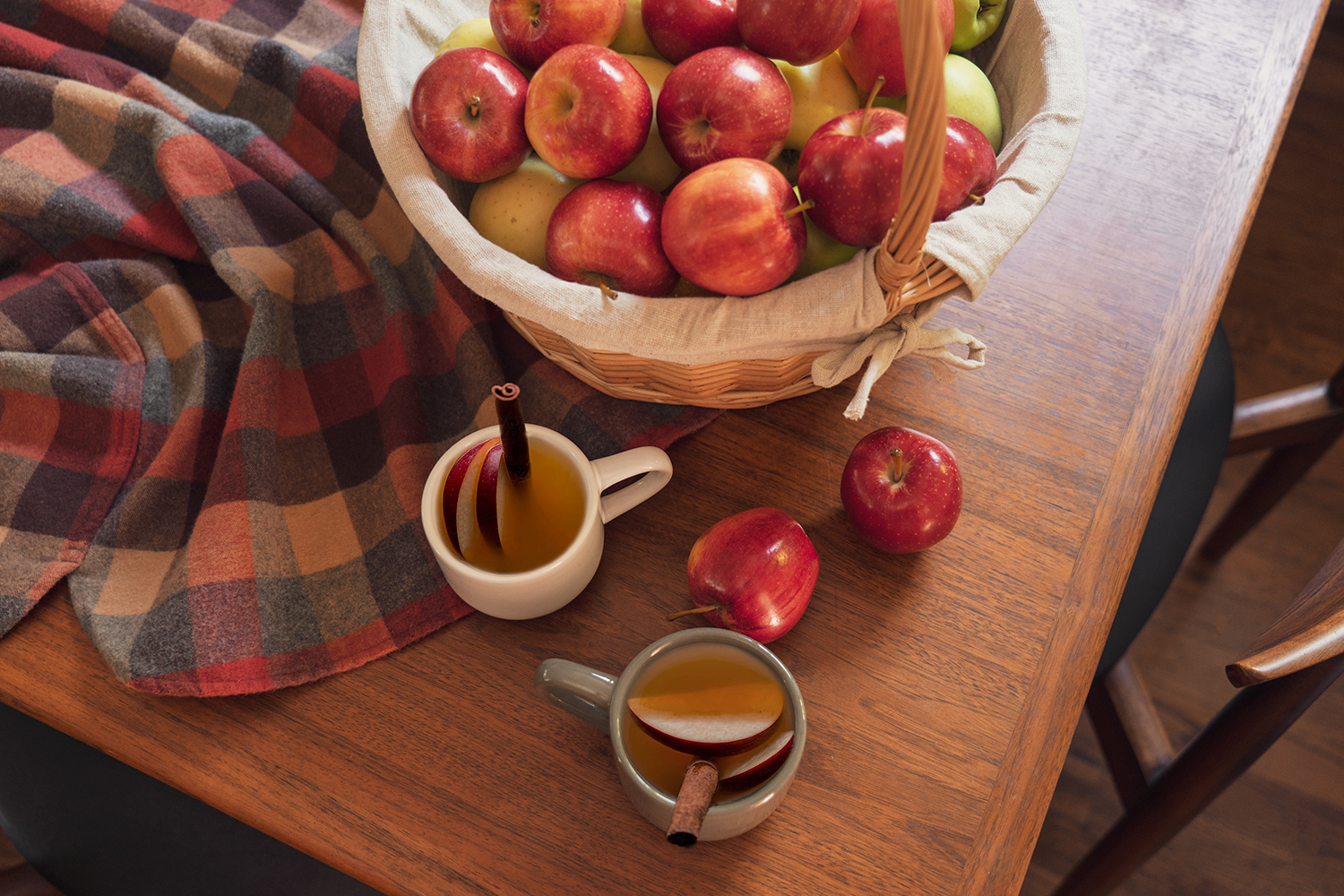 01fall-autumn-recipe-hot-apple-cider-drinks-food