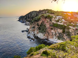 Low Cost Holidays to Costa Brava l Family Holidays to Costa Brava