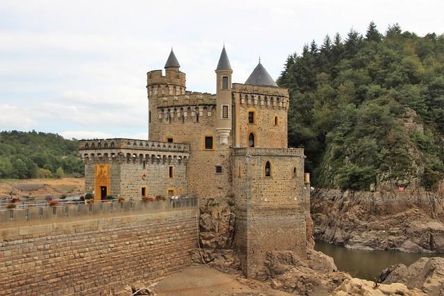 Chateau de la roche               Saint -Priest- La -Roche
