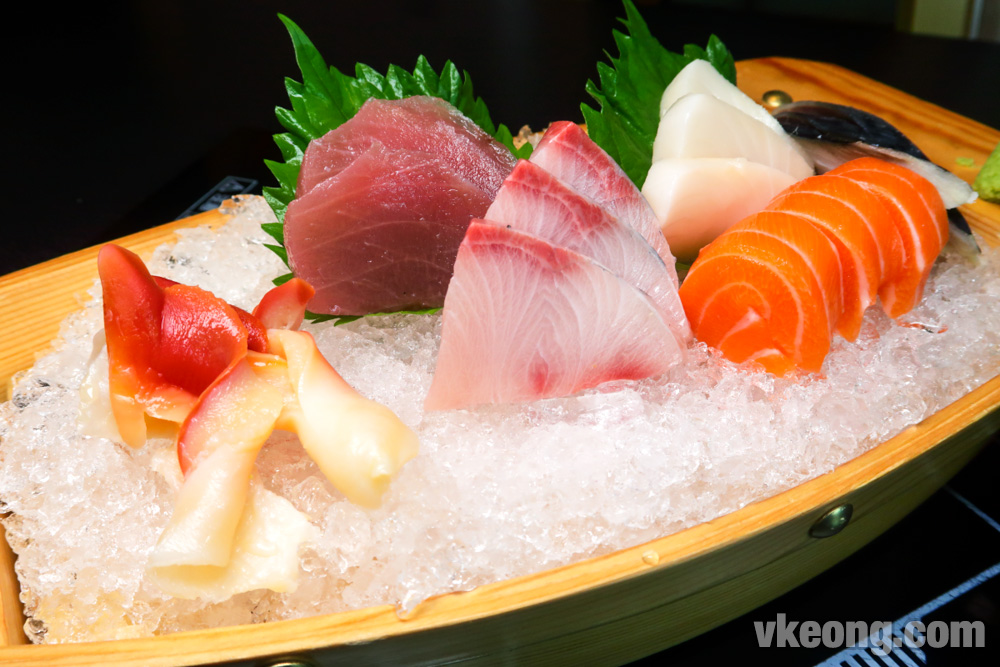 Iketeru-The-Hungry-Deal-Japanese-Buffet-Sashimi-Boat